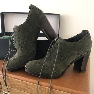 Tommy Hilfiger Oxford-style Suede Heels